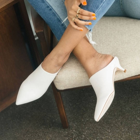 Pour La Victoire White Kitten Heel Mule